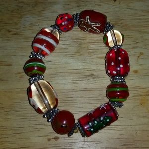 GLASS CHRISTMAS RED GREEN WHITE STRETCH BRACELET